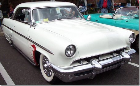 1953-Mercury-Monterey-white-red-flame-le