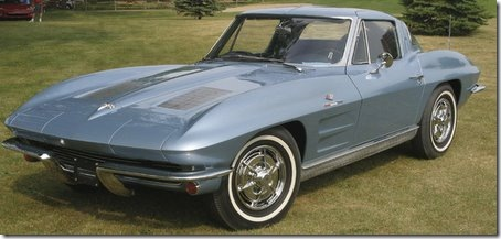 1963-chevy-corvette-at-car-show
